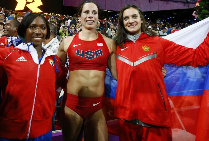 Podium skoku o tyczce: Amerykanka Jennifer Suhr, Kubanka Yarisley Silva, Rosjanka Jelena Isinbajewa (fot. PAP/EPA)