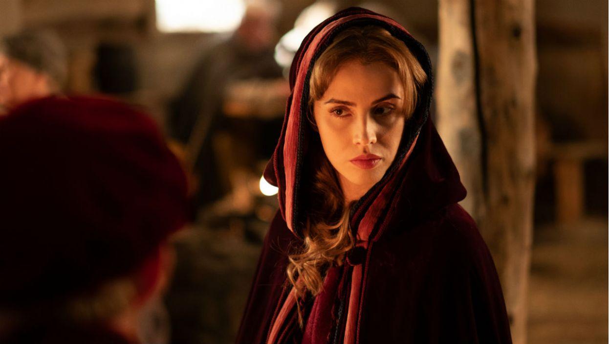 Z czasem Krystyna stała się niewygodnym świadkiem. Karol użył skrytobójcy, by ją uśmiercić (fot. TVP)