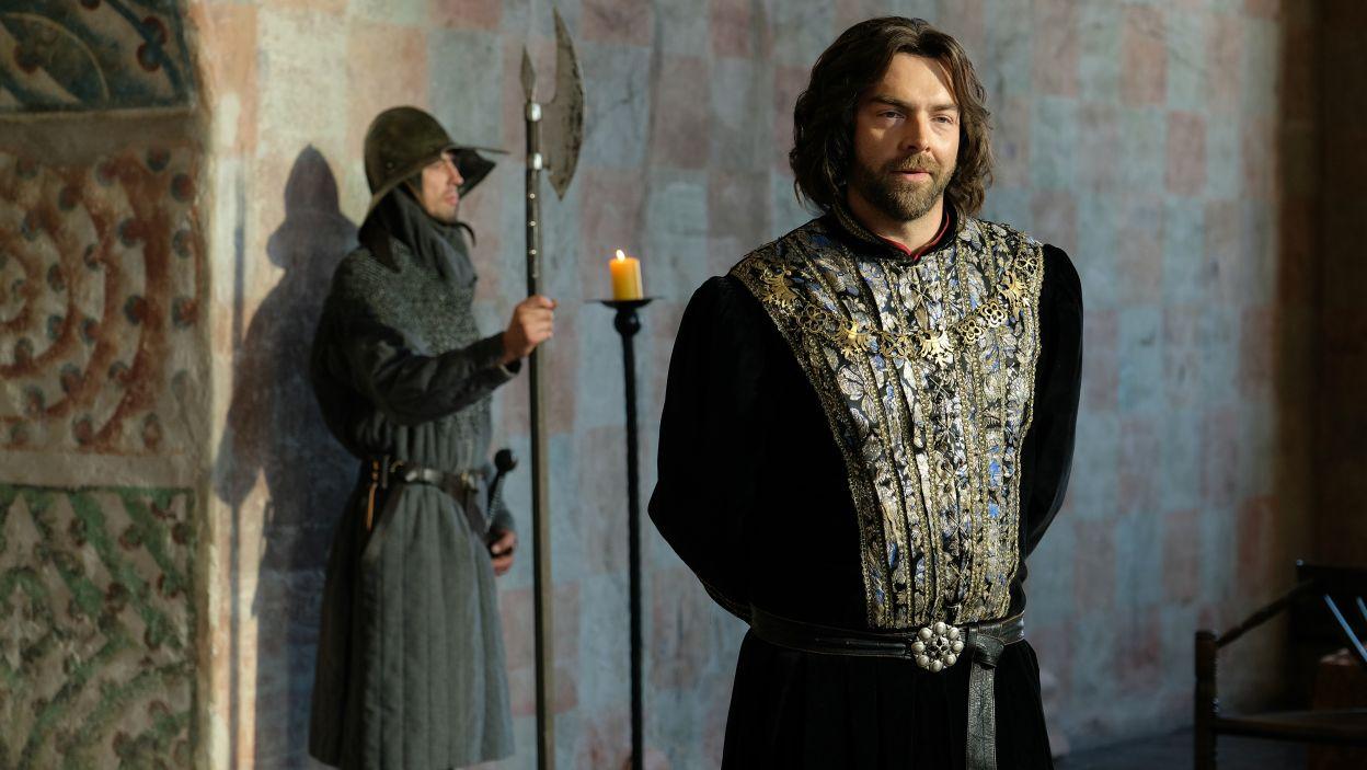 Z powodu przeskoku czasowego, w rolę Kazimierza Wielkiego wcieli się nowy aktor – Andrzej Hausner (fot. M. Makowski/TVP)