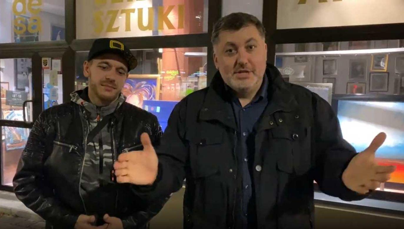 Od prawej: poseł Artur Dziambor i właściciel restauracji Duo Cafe ze Słupska (fot. TT/Artur Dziambor)