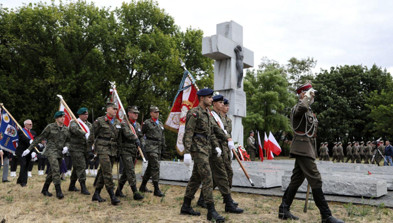 Uroczystości przed pomnikiem Ofiar Ludobójstwa dokonanego przez nacjonalistów ukraińskich na obywatelach II RP (fot. PAP/Jakub Kamiński)