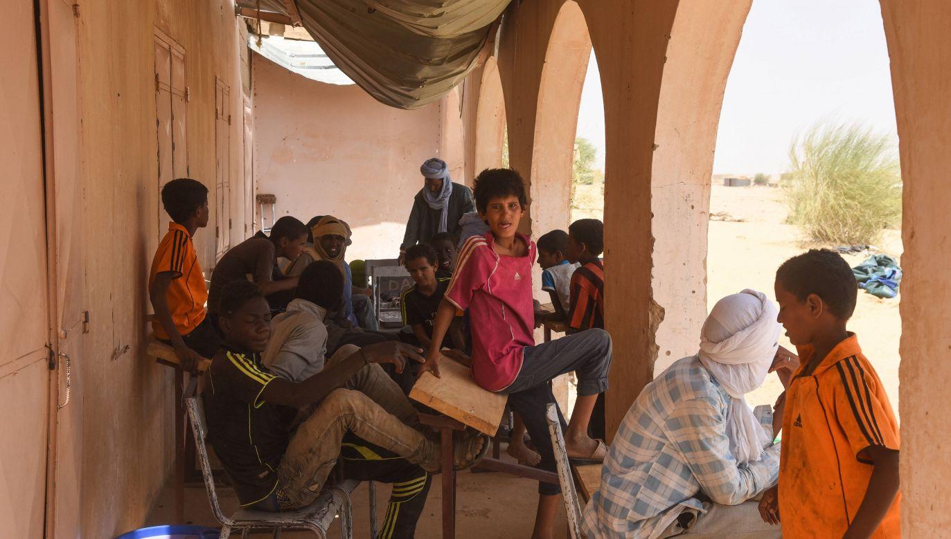 Uchodźcy w Timbuktu (fot. arch. PAP/EPA/NICOLAS REMENE)