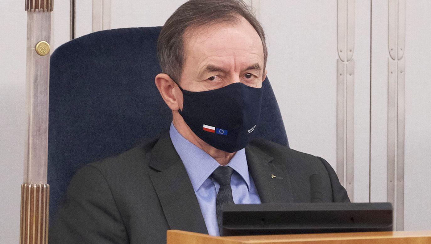 Marszałek Senatu Tomasz Grodzki podczas obrad izby wyższej parlamentu (fot. PAP/Mateusz Marek)