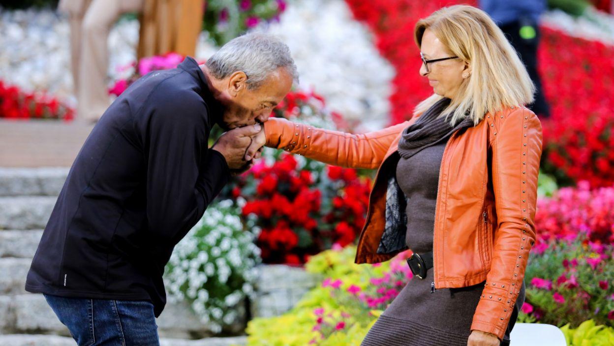 Zbigniew od początku był bardzo szarmancki, ale kobiece pytanie go zaskoczyło... (fot. TVP)