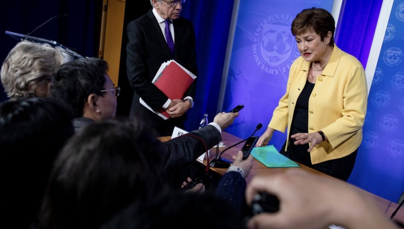 """Kristalina Georgiewa mówiła o """"niespotykanej niepewności dotyczącej skali i czasu trwania kryzysu"""" (fot. Samuel Corum/Getty Images)"""