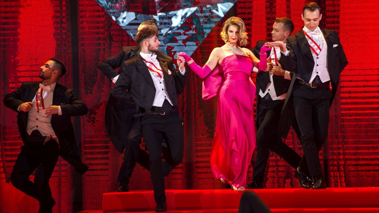 Ostatnia w tym odcinku zatańczyła Gosia. Jako Madonna musiała być w tej choreografii bardzo sexy! (fot. TVP)