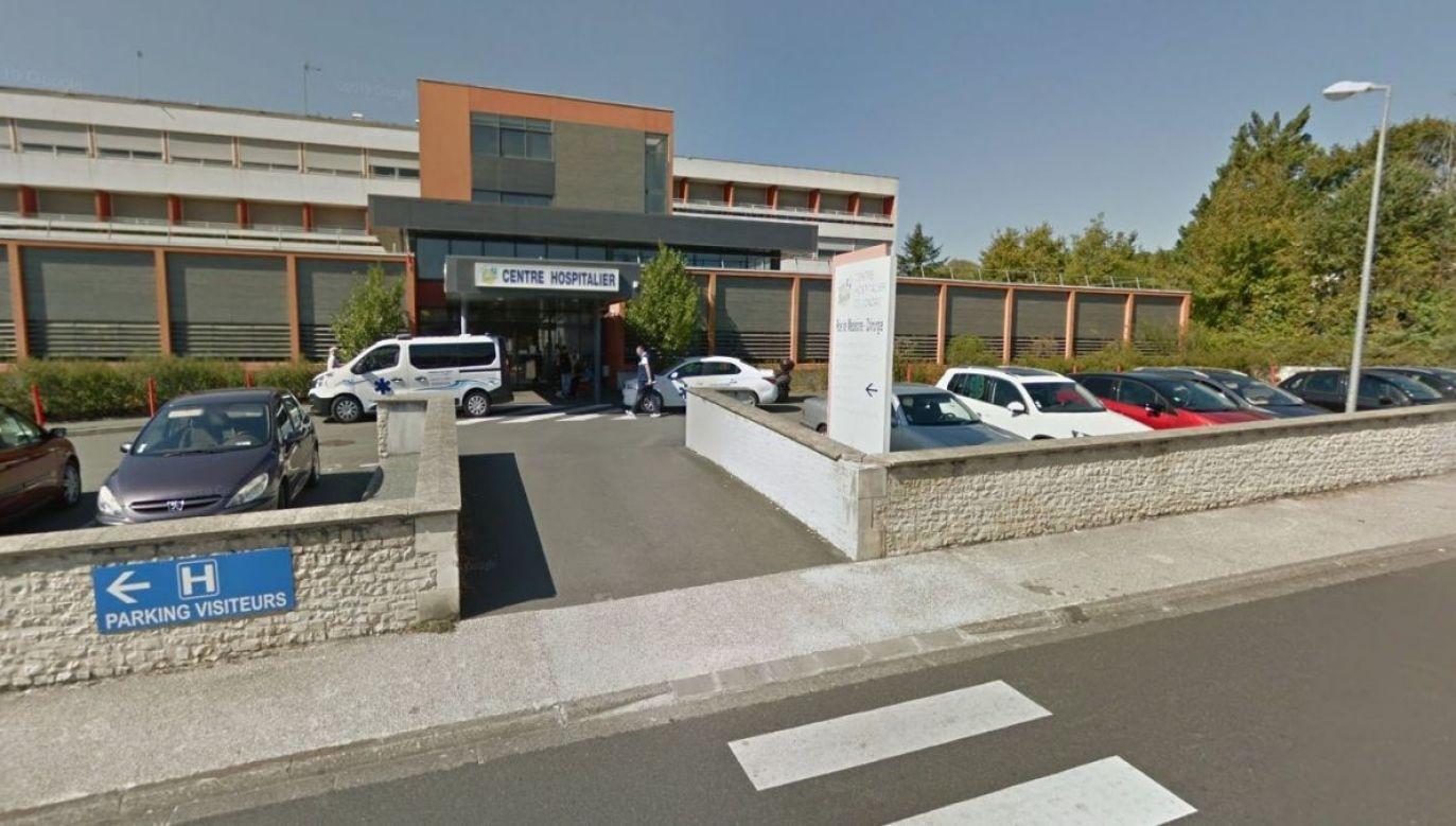 68-letni chirurg z miejscowości Jonzac został oskarżony o gwałty i nadużycia seksualne (fot. Google Street View)