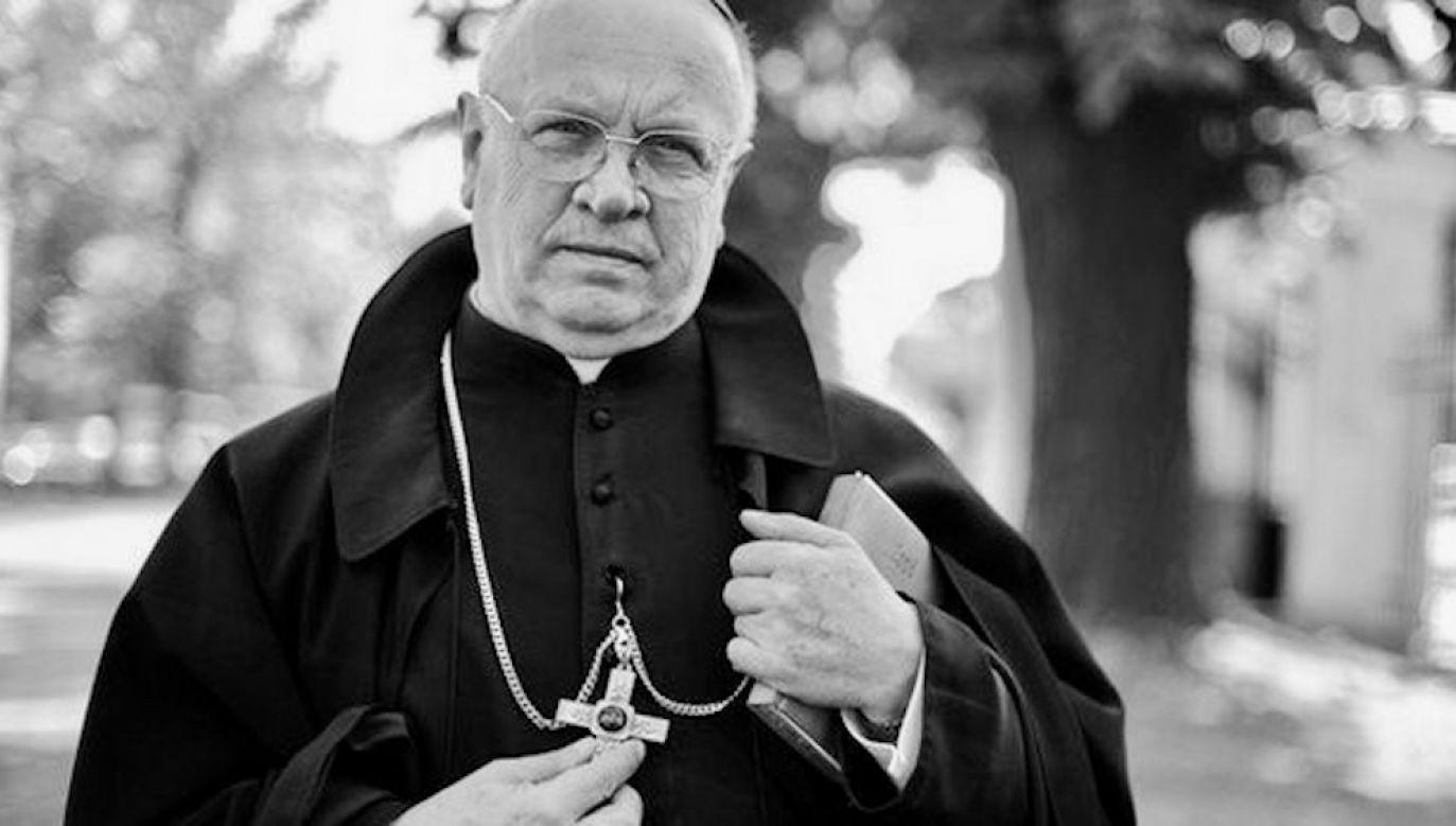 """Hierarcha był znany m.in. dzięki swoim """"kazaniom radiowym"""" ze stołecznej bazyliki św. Krzyża (fot. diecezja łowicka)"""