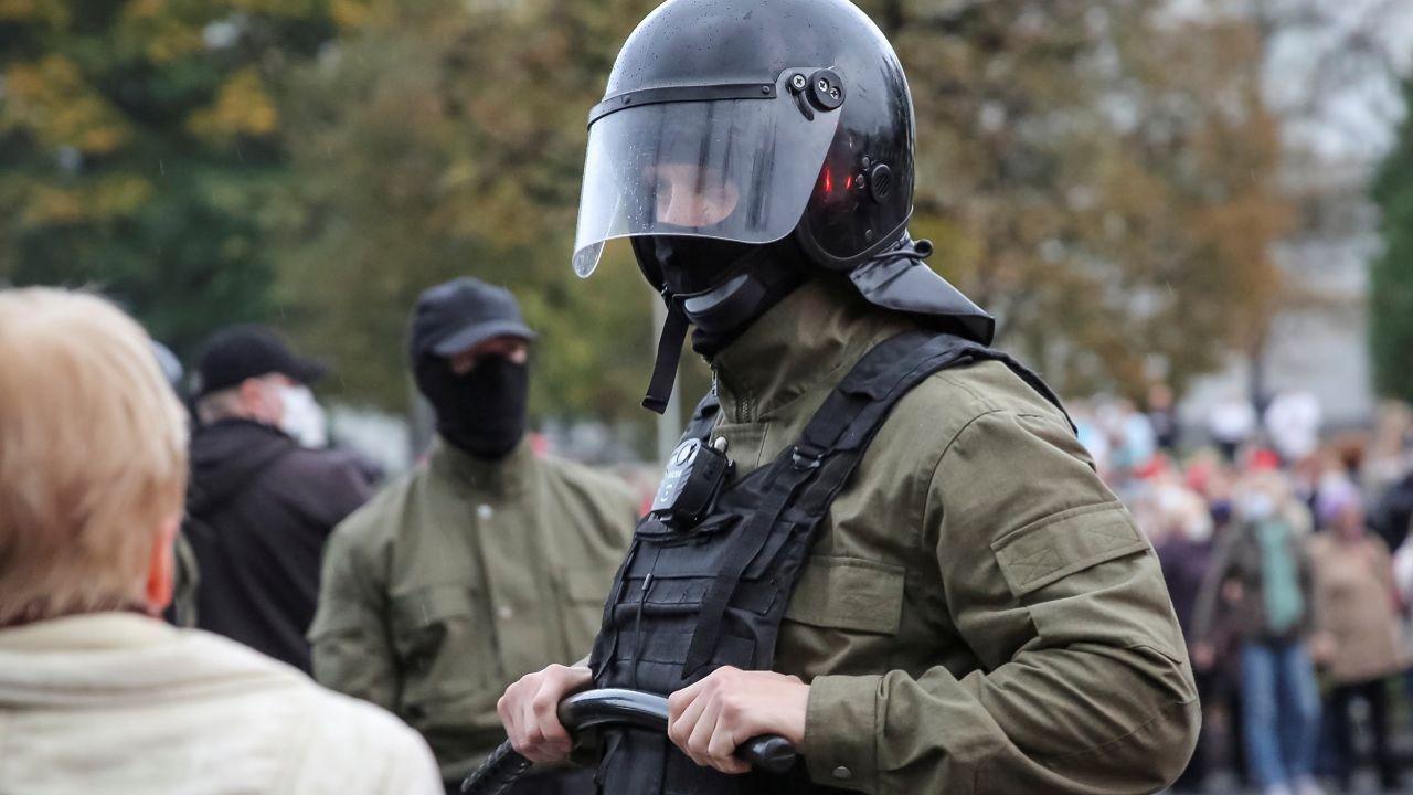Przyczyną decyzji opozycjonisty były groźby ze strony KGB (fot. Reuters/Stringer)