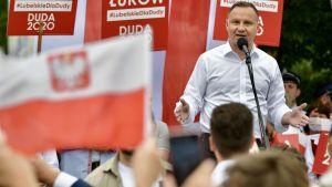 Samorządowcy rozmawiali o zbliżającej się II turze wyborów prezydenckich (fot. PAP/Przemysław Piątkowski)