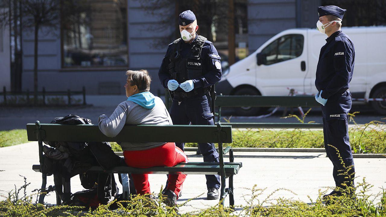 Rozpoczyna się kolejna fala epidemii (fot. Beata Zawrzel/NurPhoto via Getty Images)
