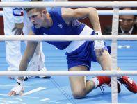 Francuz Alexis Vastine przegrał z Ukraińcem Tarasem Szelestiukiem w wadze półśredniej (fot. PAP/EPA)