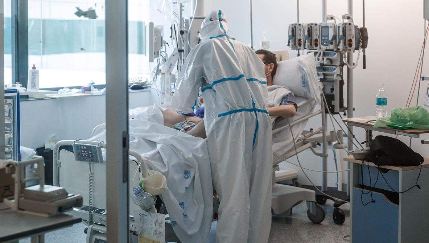 Niedzielski zapowiedział, że do końca tygodnia przygotowane zostanie specjalne rozporządzenie ze schematem postępowania z pacjentem chorym lub z podejrzeniem koronawirusa (fot. DeFodi Images via Getty Images)