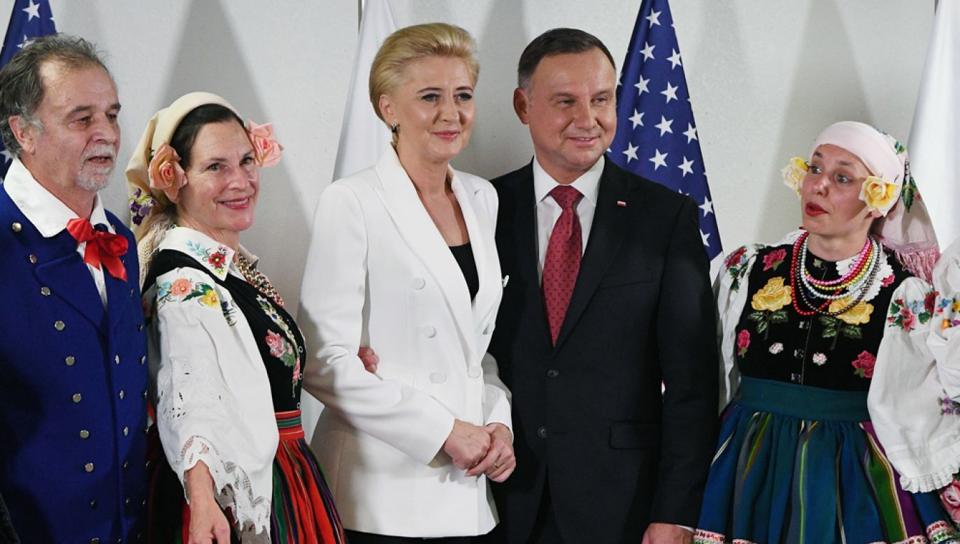 Prezydent Duda z małżonką Agatą Kornhauser-Dudą podczas spotkania z przedstawicielami Polonii w San Jose(fot. PAP/Radek Pietruszka)