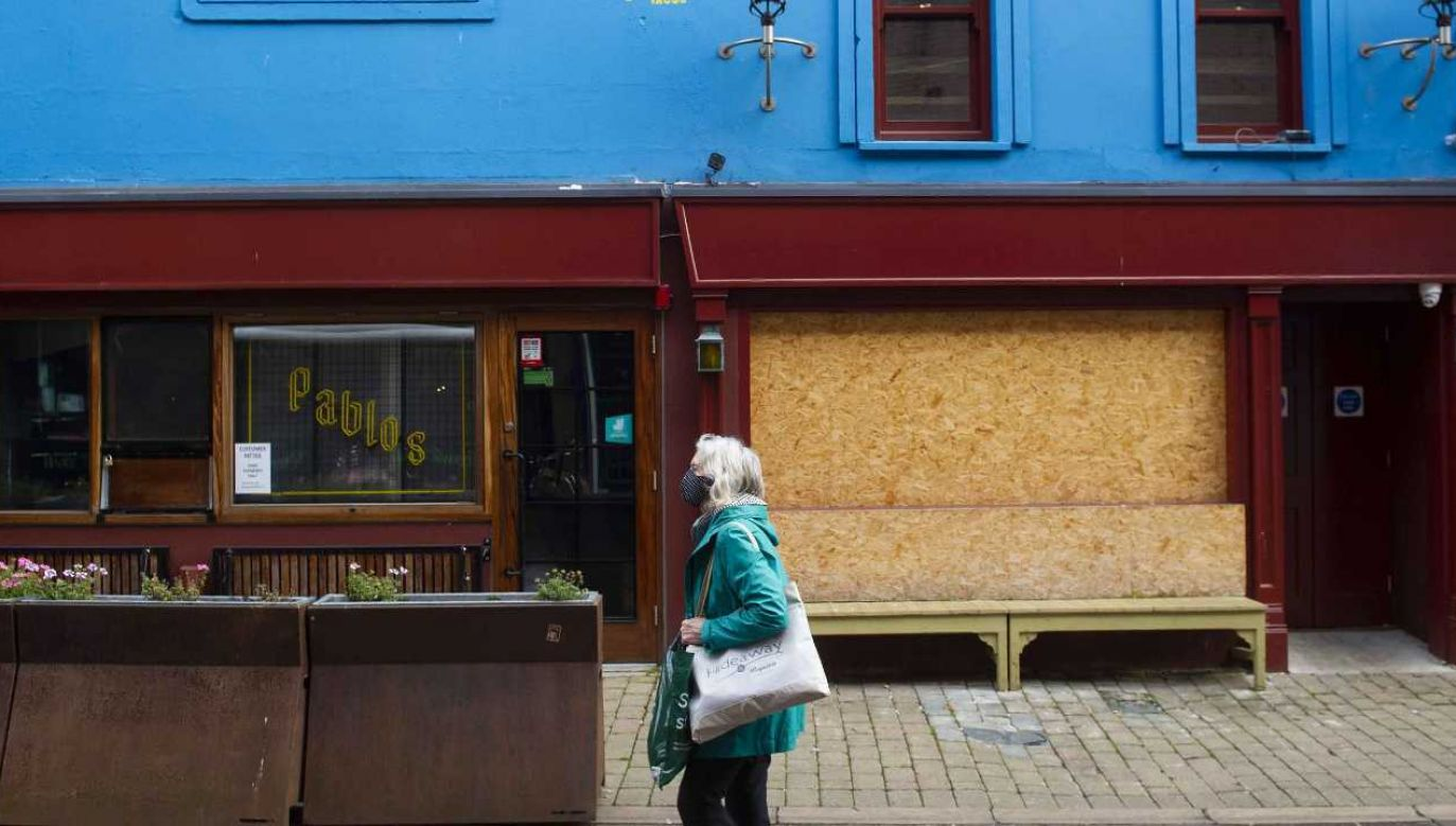 Irlandia zmaga się z pandemią (fot. PAP/EPA/MARK MARLOW)