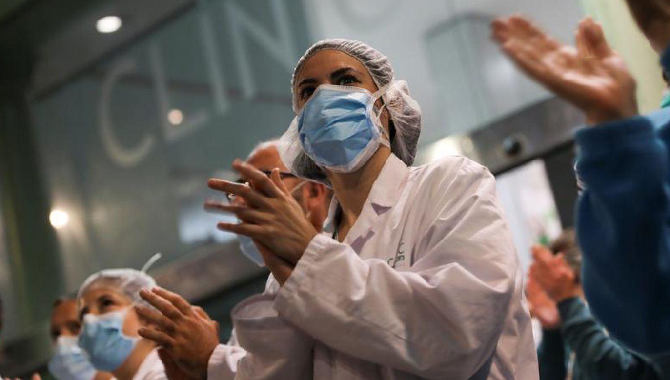 Pacjent został przetransportowany z oddziału intensywnej terapii (fot.  REUTERS/Nacho Doce)