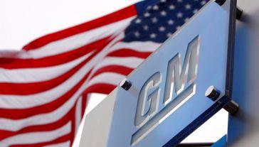 Prezydent Donald Trump zastosował wobec koncernu motoryzacyjnego General Motors ustawę o produkcji obronnej (fot. PAP/EPA/JEFF KOWALSKY)