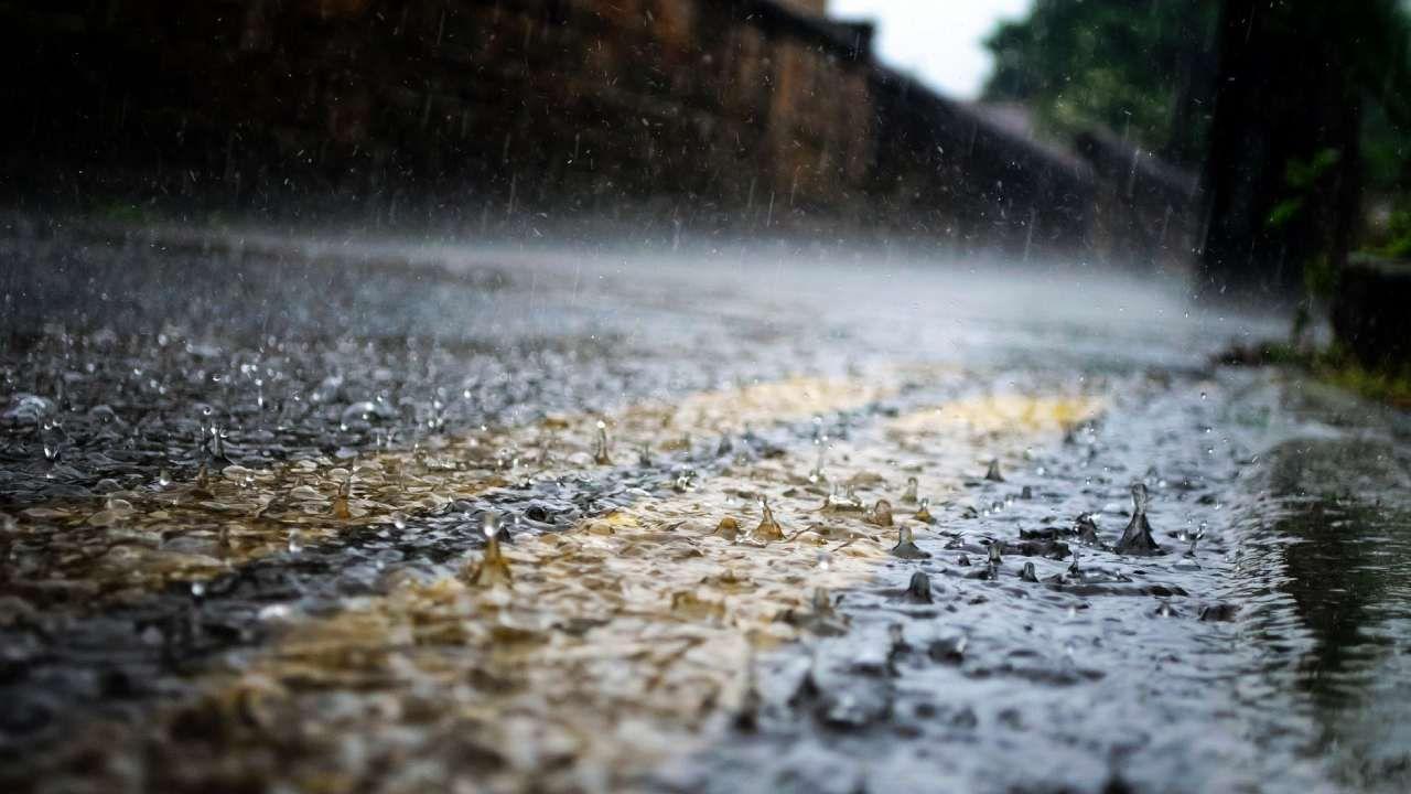 Głównie w centrum i na wschodzie kraju, wystąpią słabe opady deszczu lub mżawki (fot. Pixabay/PublicDomainPictures)