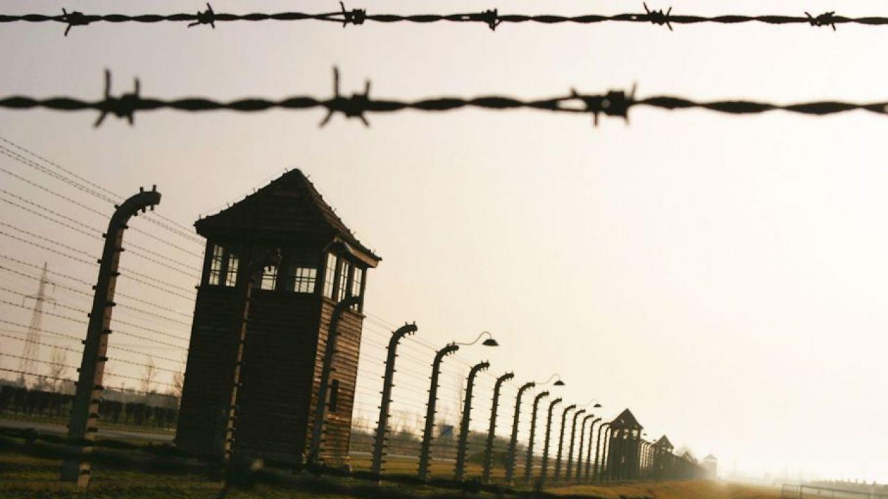 Muzeum Auschwitz: zmarł ostatni z żyjących więzień Sonderkommanda  wieszwiecej - tvp.info