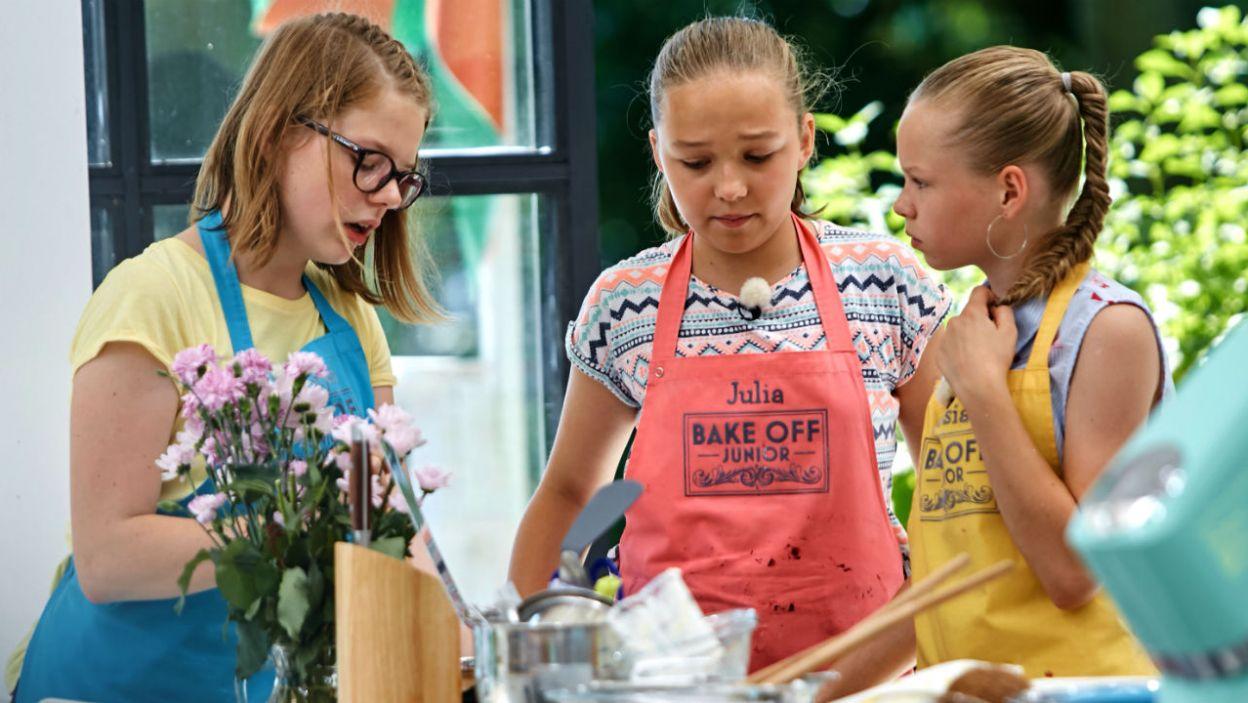 Drugim zadaniem był tort bezowy. Dziewczyny już wiedzą, że od niego zależy, kto znajdzie się w finale (fot. TVP)
