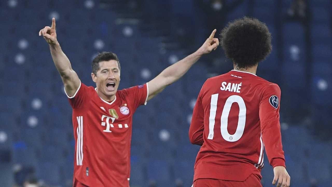 Robert Lewandowski strzelił już 72 gole w Lidze Mistrzów (fot. PAP/EPA/MAURIZIO BRAMBATTI)