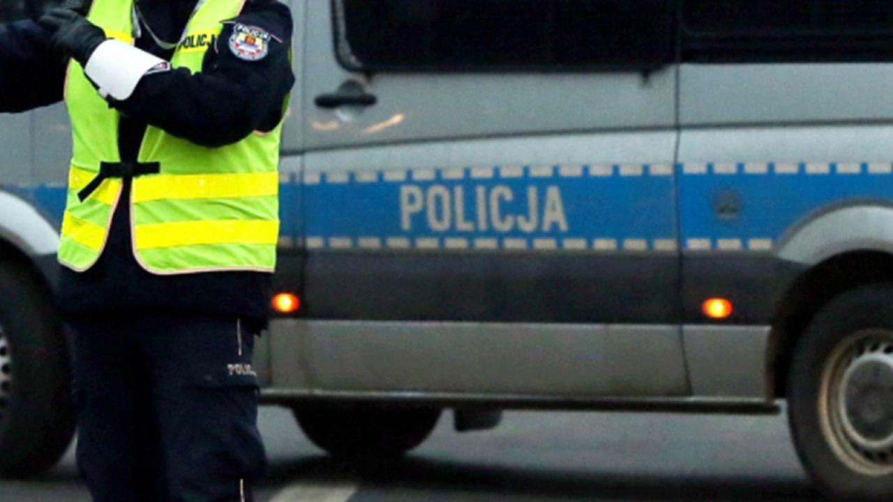 Policja zatrzymała sprawców, rodzinny biznes padł... (fot. PAP/Tomasz Gzell)