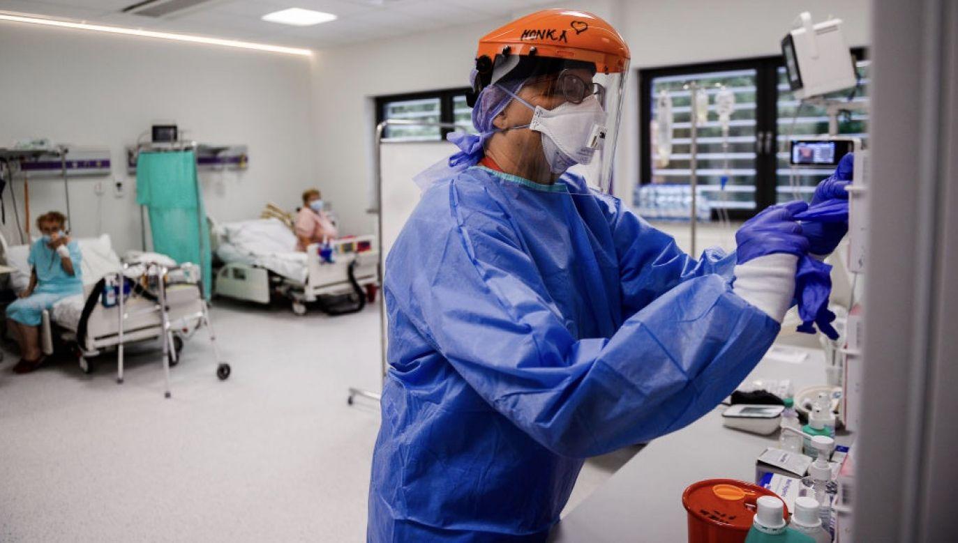Ponad 300 ozdrowieńców z Covid-19 odnotowano w ciągu minionej doby fot. Omar Marques/Getty Images)