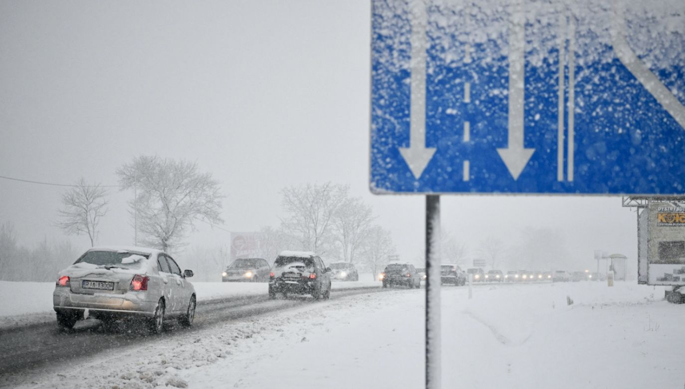 Zima w Polsce znowu pokazuje swe oblicze (fot. PAP/D.Delmanowicz)