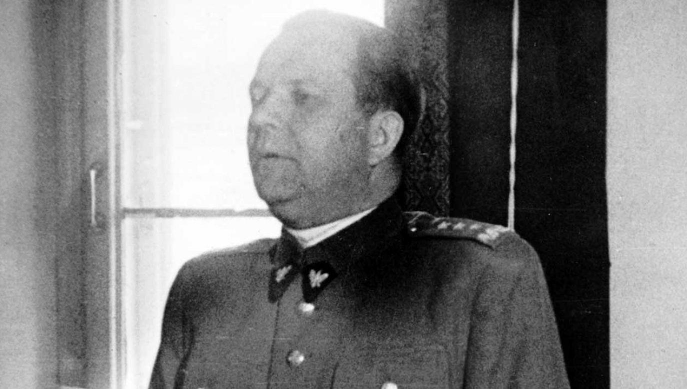 Uchwała odbiera honorowe obywatelstwo Michałowi Roli-Żymierskiemu, któremu przyznano ten tytuł po zakończeniu II Wojny Światowej (fot. arch. PAP/Newscom)