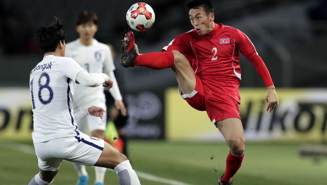 Poprzednie spotkanie w ramach finału Pucharu Azji Wschodniej wygrali piłkarze Południa 1:0 (fot. PAP/EPA)