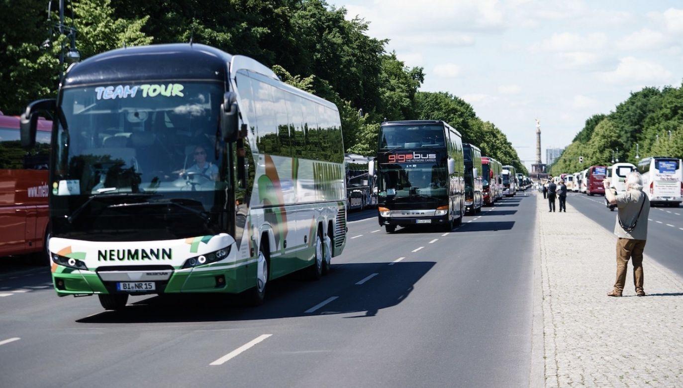 Branża transportowa na epidemii koronawirusa dużo straciła (fot. PAP/EPA/CLEMENS BILAN)