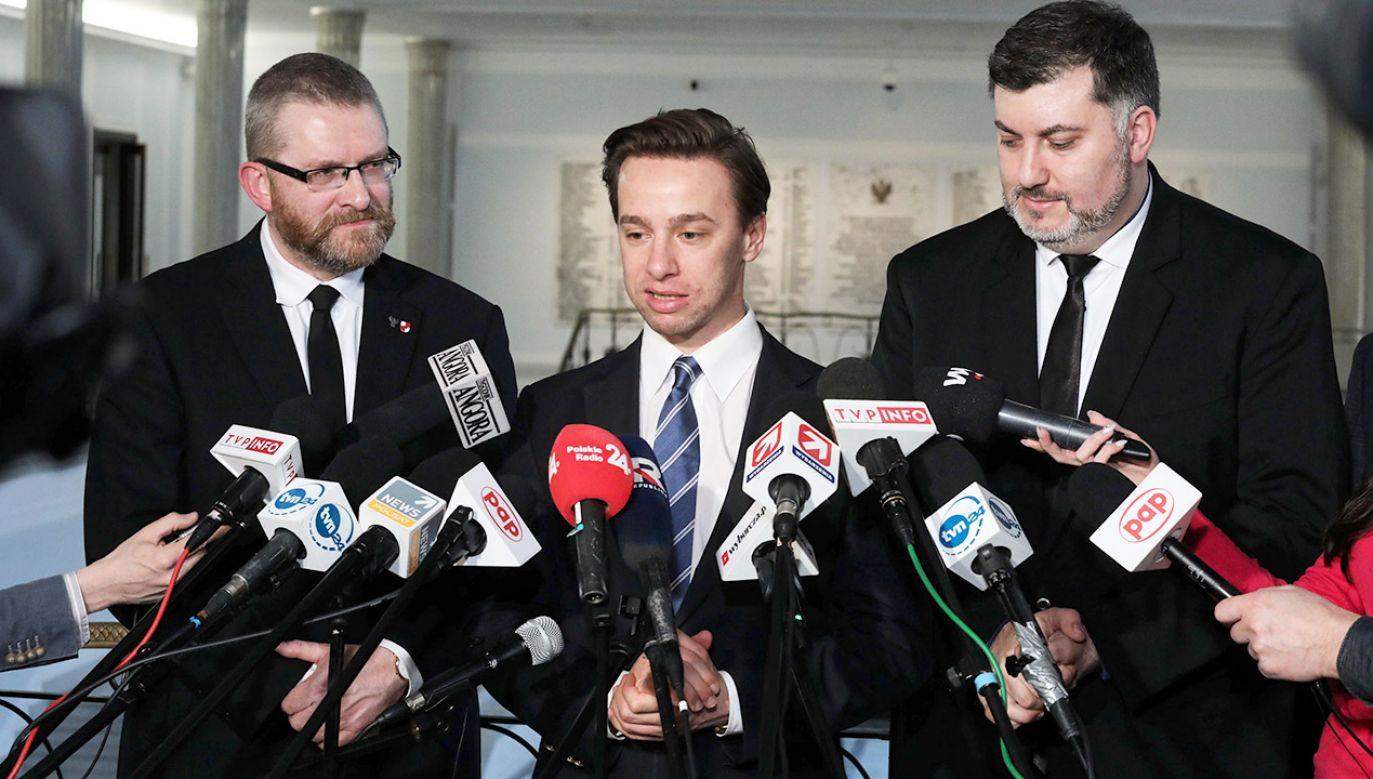 Premier skrytykował Konfederację (fot. PAP/Tomasz Gzell)
