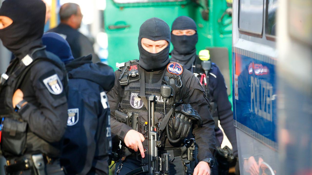 Zatrzymano 14 osób podejrzanych o planowanie zamachów (fot. Hannibal Hanschke/Reuters)