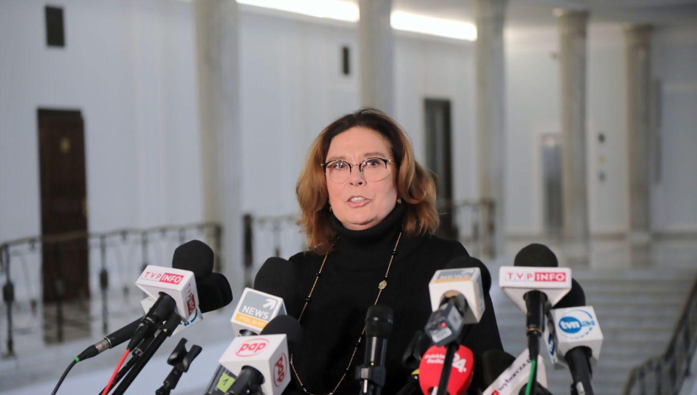 Wybory prezydenckie. Małgorzata Kidawa-Błońska wyprzedzona w sondażu przez kandydata PSL (fot. Wojciech Olkuśnik/PAP)