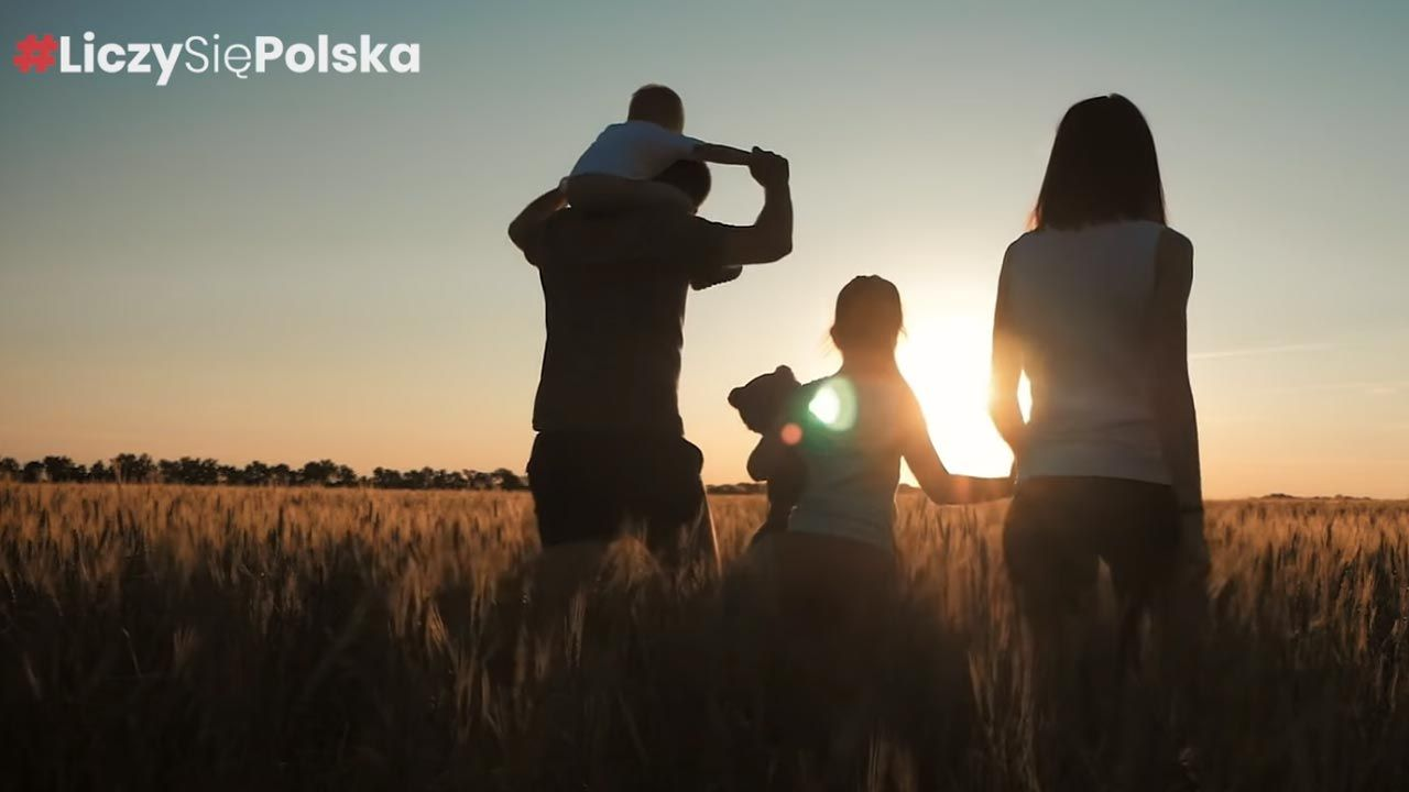"Spot ""Liczy się Polska"" (fot. Facebook/Mateusz Morawiecki)"