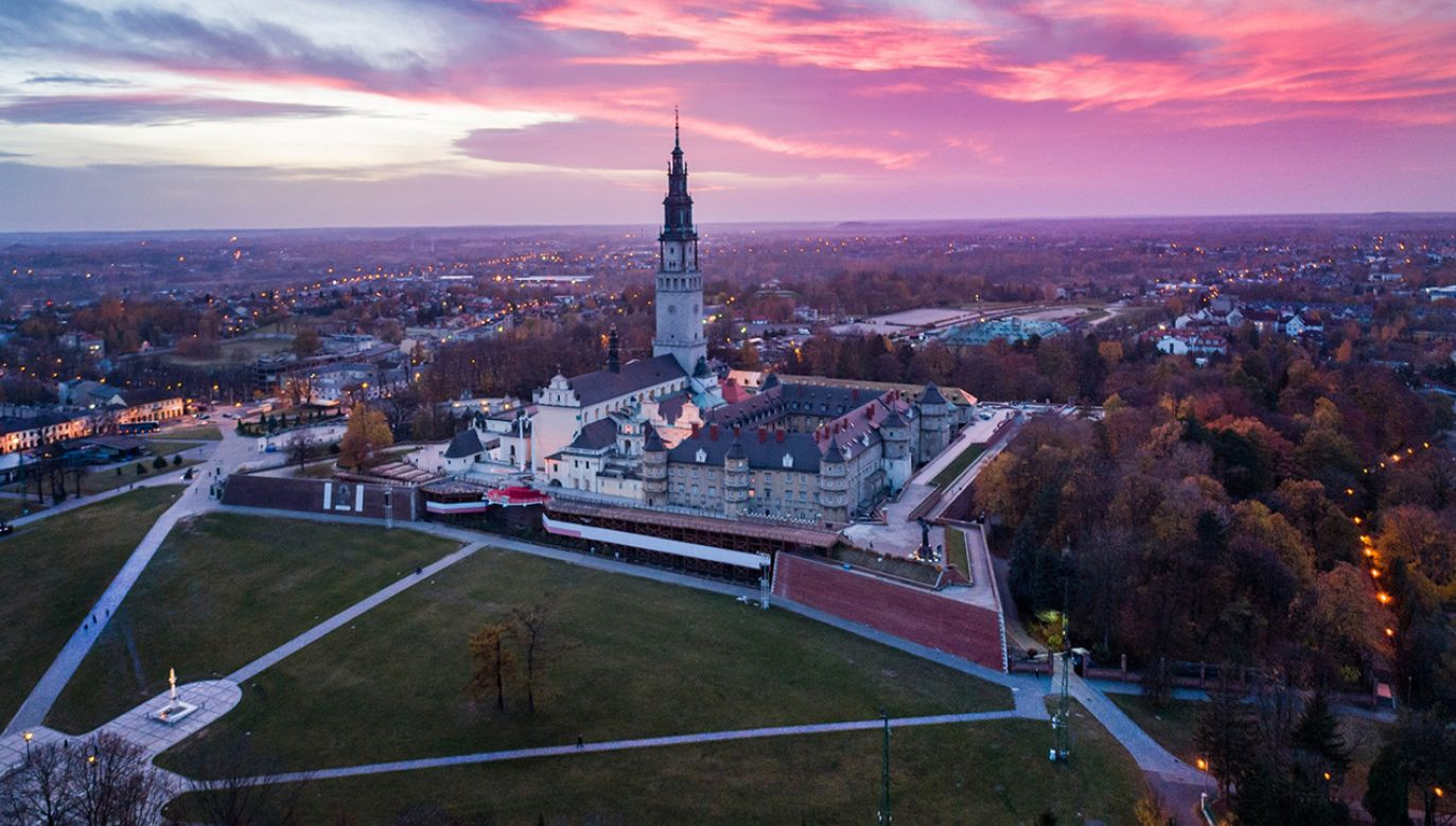 O odtworzenie województwa częstochowskiego apelują lokalni politycy (fot. Shutterstock/Daniel Jedzura)