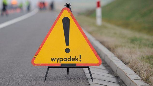 Zderzyły się dwa samochody osobowe (fot. arch/PAP/Marcin Bielecki)