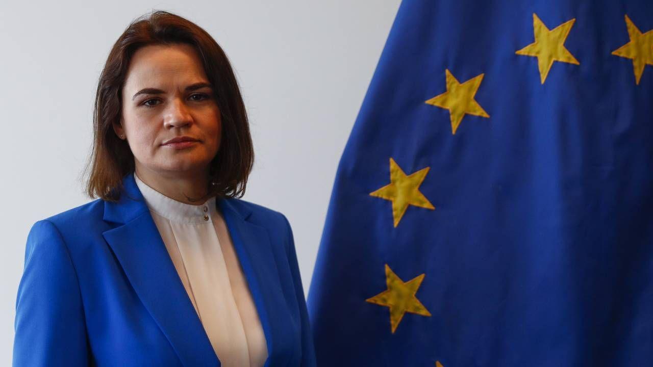 Swiatłana Cichanouska musiała wyjechać z Białorusi (fot. PAP/EPA/JOHANNA GERON / POOL)