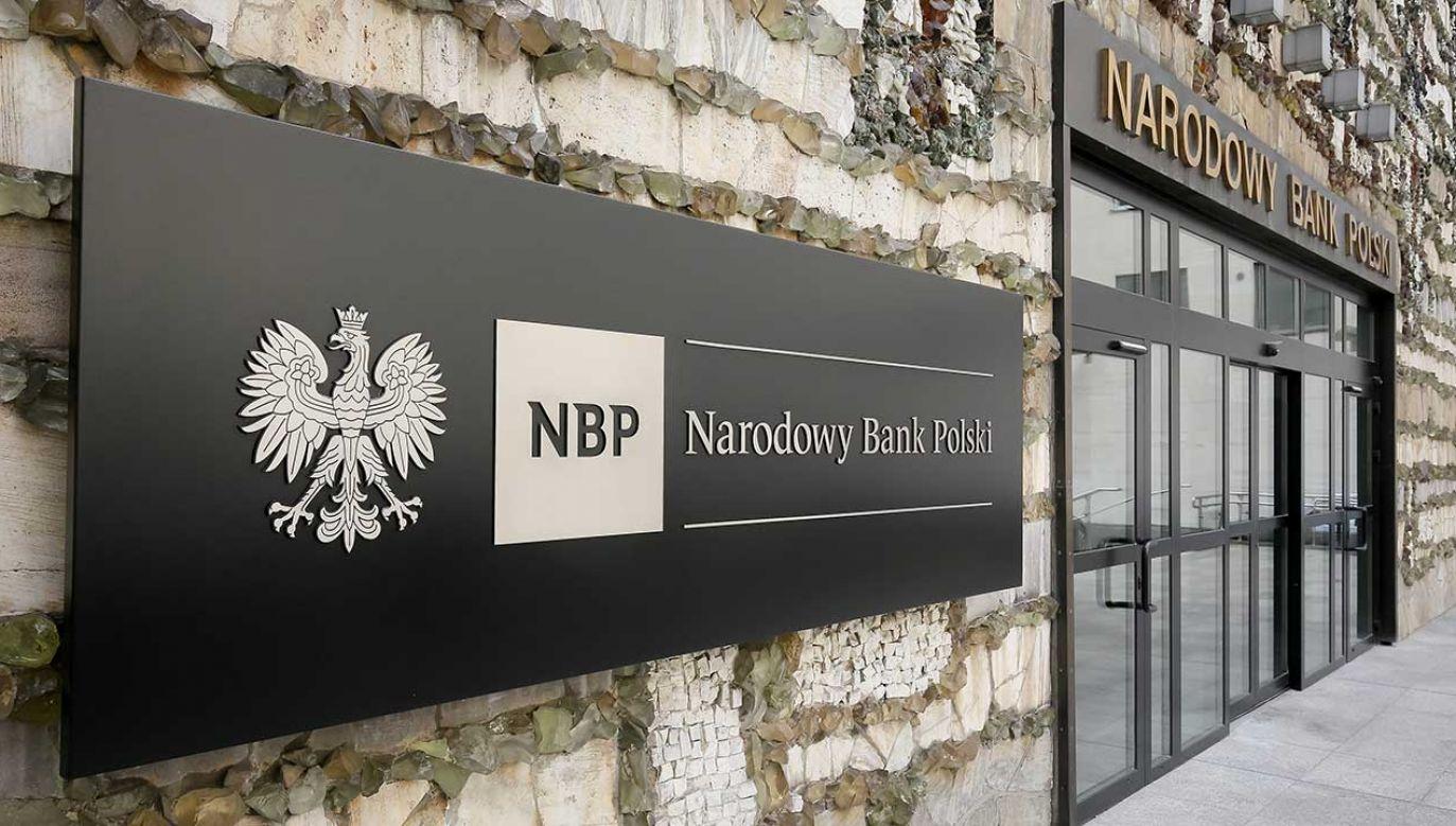 Obecnie w obiegu najwięcej pozostaje banknotów o nominale 100 zł – informuje NBP  (fot. arch. PAP/Paweł Supernak)