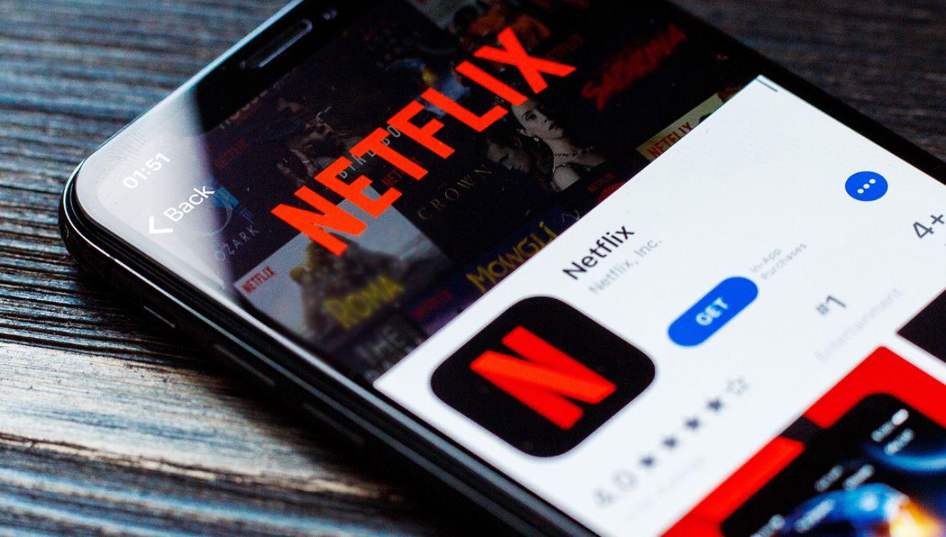 Fałszywa aplikacja w sklepie Google przypomina Netflixa (fot. Shutterstock)