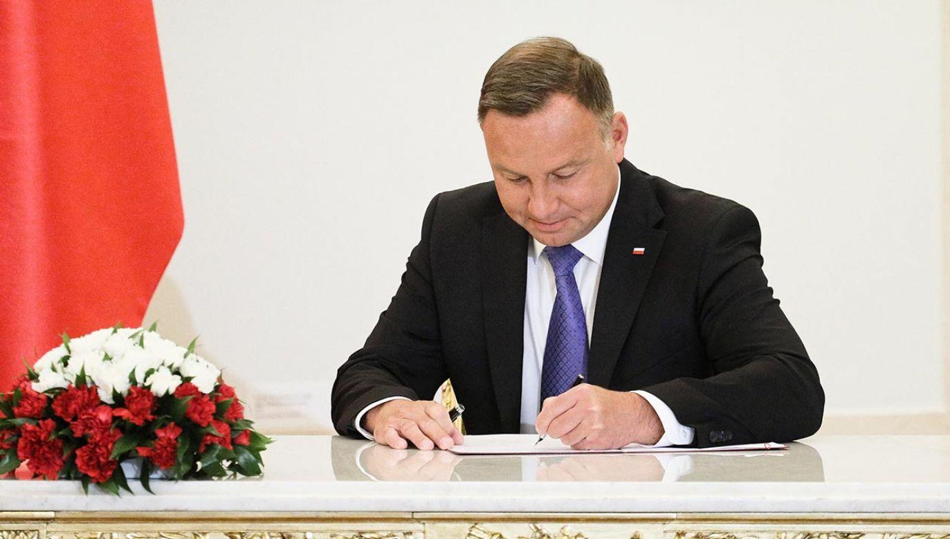 Prezydent Andrzej Duda podpisał nowelę ustawy o działaczach opozycji antykomunistycznej (fot. PAP/Paweł Supernak)