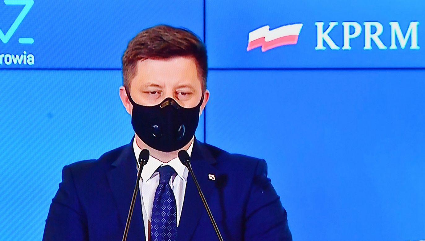 Szef KPRM  o fake newsach ws. szpitali i resporatorów (fot. PAP/Piotr Nowak)
