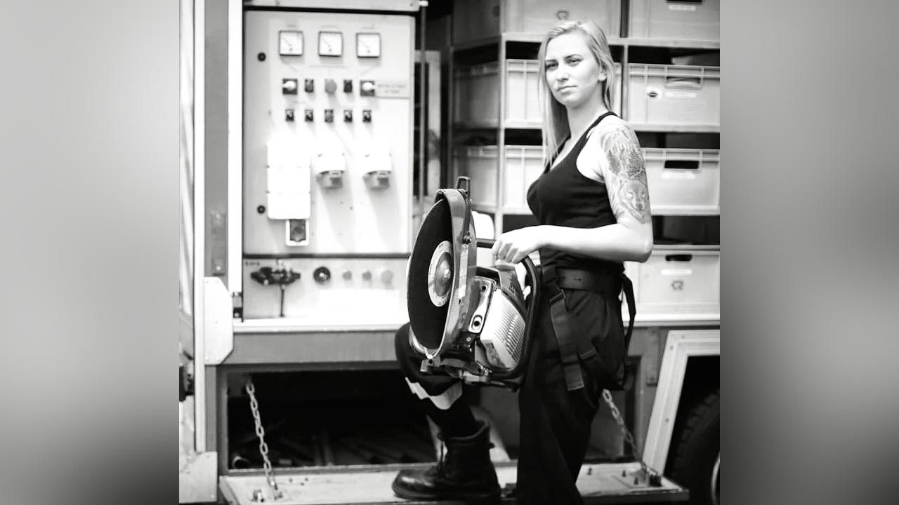 Kobieta miała 26 lat (fot. Facebook/OSP KSRG Michałowice)