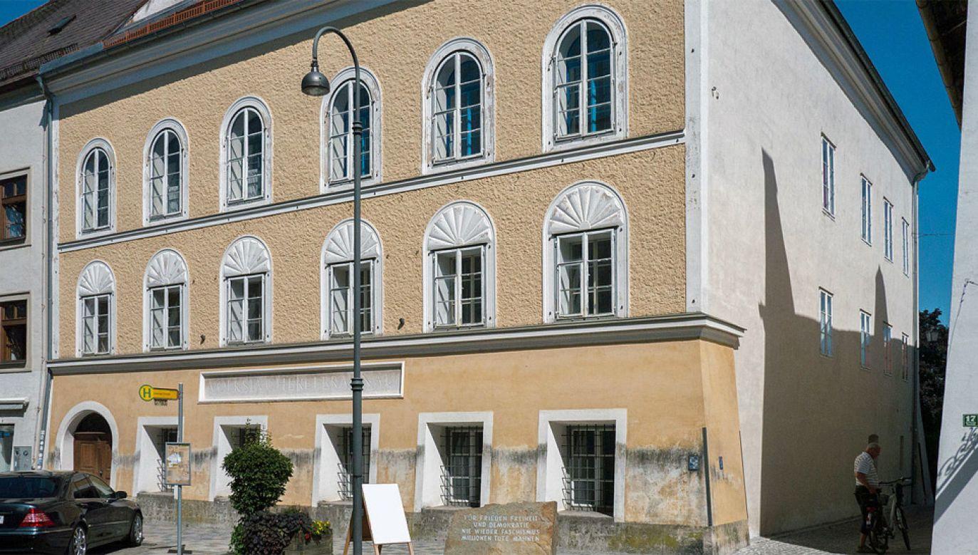 Austriackie władze zdecydowały się na przymusowy wykup domu rodzinnego Adolfa Hitlera (fot. Wiki 4.0/Thomas Ledl)