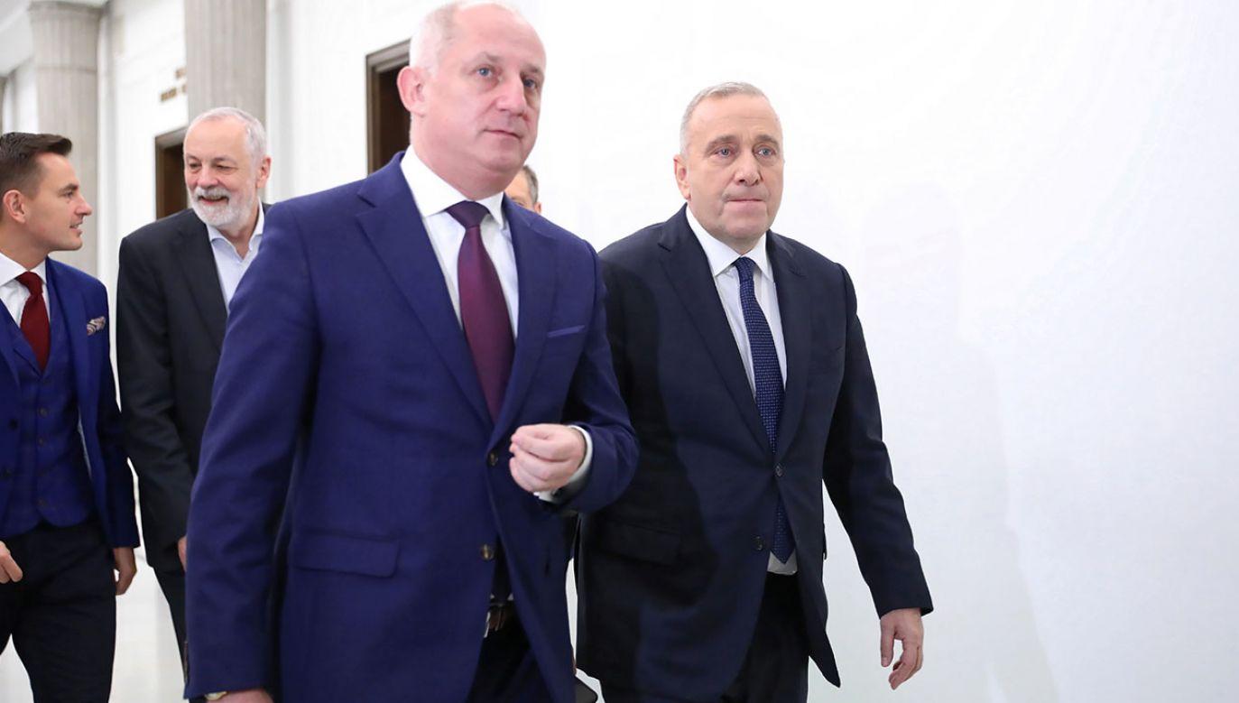 Sławomir Neumann nie przyznaje się do winy i twierdzi, że sprawa ma podłoże polityczne (fot. PAP/Leszek Szymański)