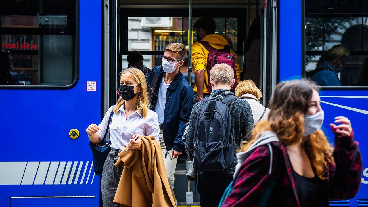 W Szwecji nie obowiązuje nawet zalecenie zasłaniania twarzy (fot.  Omar Marques/Getty Images)