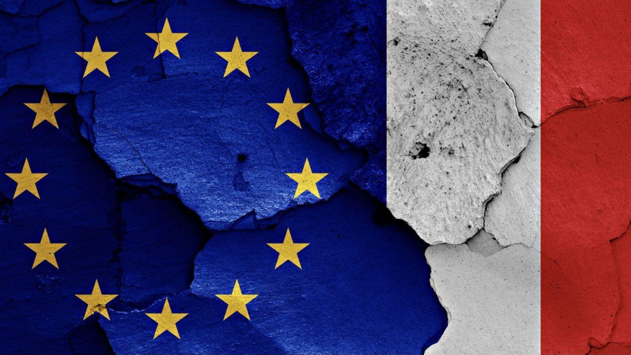 Konstytucja a prawo UE (fot. Shutterstock/danielo)
