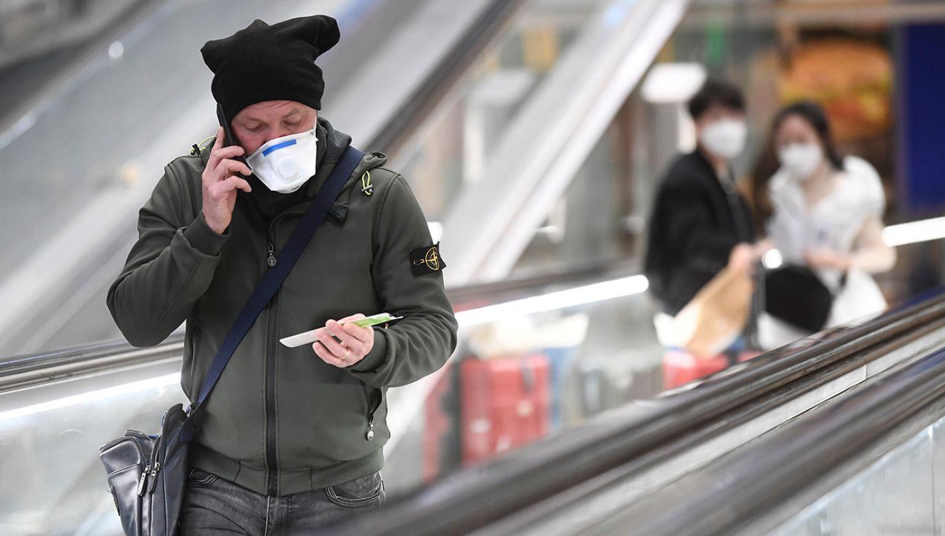 W Chinach do prawie 2600 wzrosła liczba ofiar śmiertelnych z koronawirusa (fot. REUTERS/Flavio Lo Scalzo)