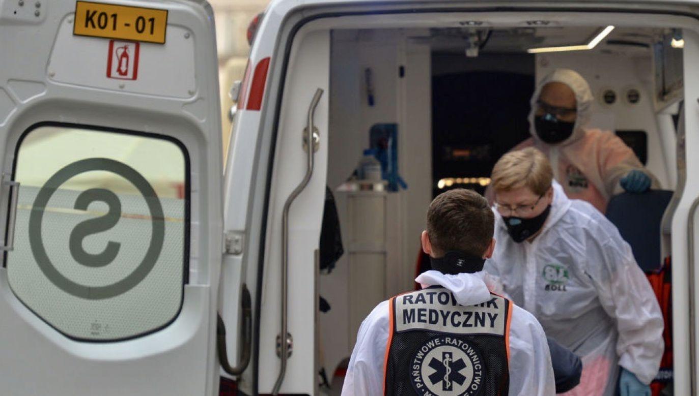 Nowe dane o epidemii w Polsce (fot. Artur Widak/NurPhoto via Getty Images)