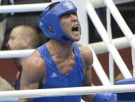 Serik Sapijew bez problemów pokonał Freddiego Evansa w walce o olimpijskie złoto w kat. 69 kg. (fot. PAP/EPA)